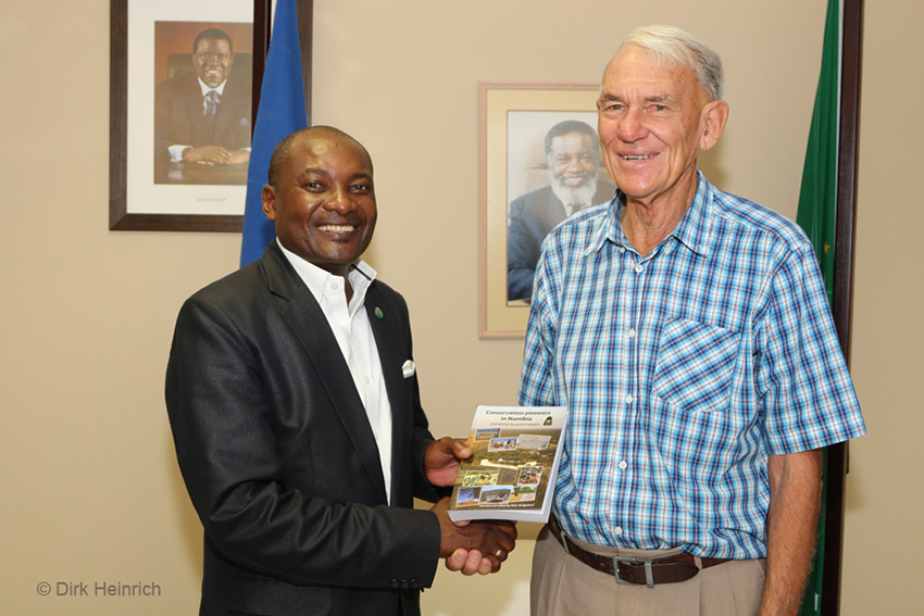 Peter Bridgeford und Pohamba Shifeta